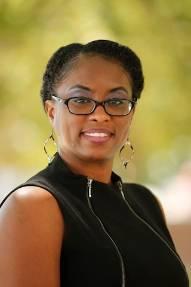 a photo headshot of Dr. Jenelle Pitt